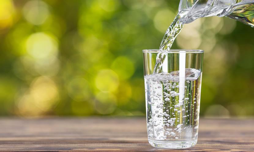 水、ミネラルウォーター