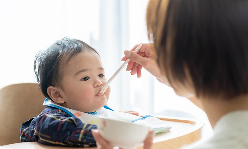 子供時代は乳幼児から食育の基礎を作ることが大切