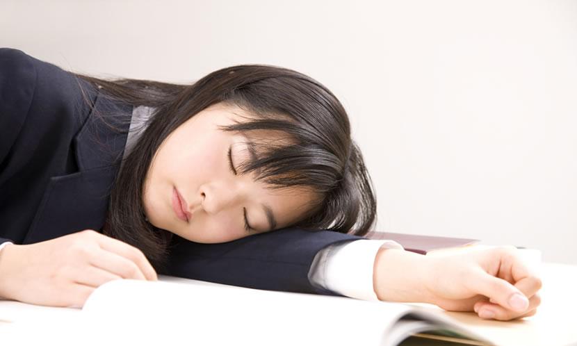 睡眠をしっかりと確保し、脳を元気に
