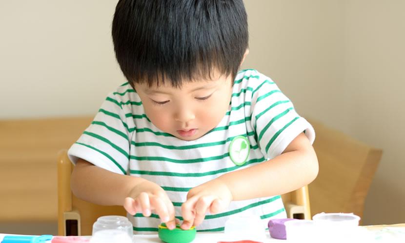 2歳から3歳は、少し道具を用意して遊ぶ