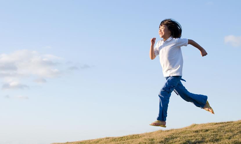 子供の運動神経、運動能力をあげるには、スポーツ?公園?