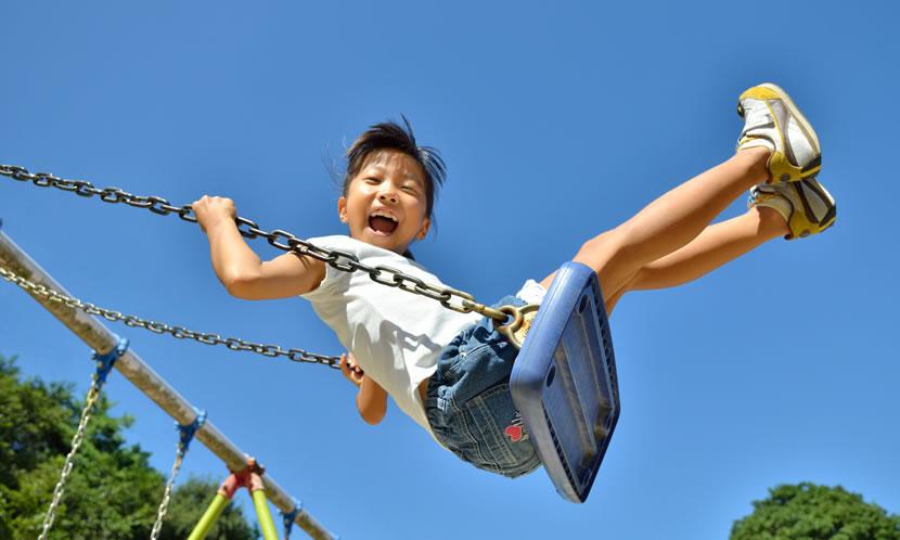 つまり外(公園、広場)で遊ぶ機会を増やせば小学生までは十分運動能力は上がる