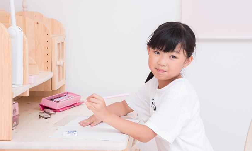 夏休みの宿題をやらない子供に 宿題の計画とサポートとは?