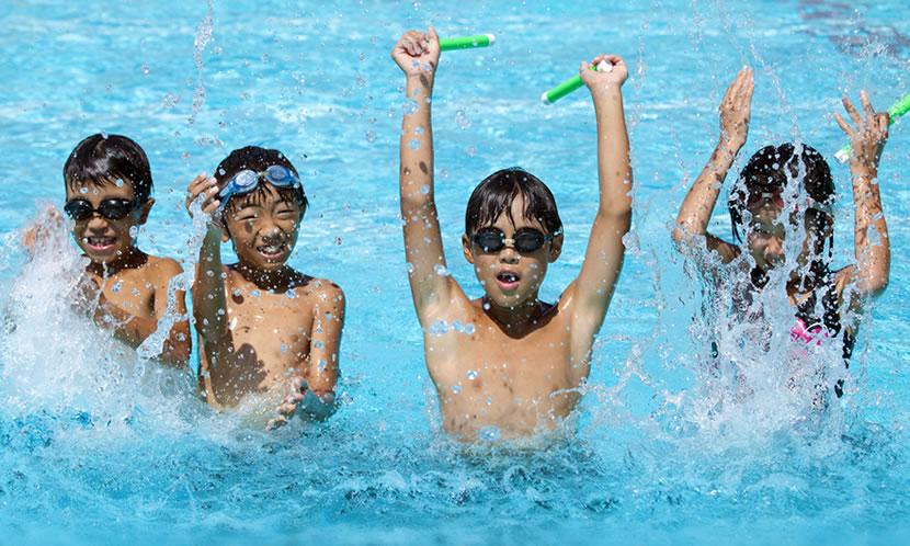 子供の習い事の中でも特に人気なのがプール(水泳)です。