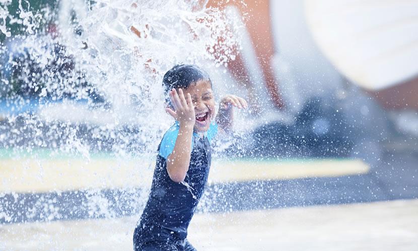 水泳は生活の色々な場面で役立つシーンが満載!
