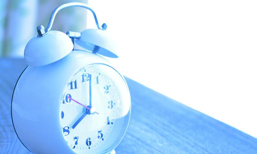 就寝時間、起床時間が毎日ずれると学力が低くなる傾向